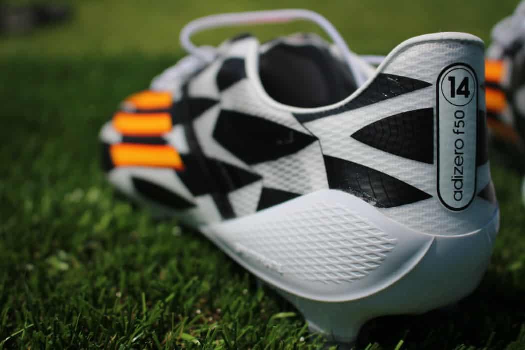 http://www.footpack.fr/wp-content/uploads/2014/06/test-adidas-F50-adizero-battlepack-4-1050x700.jpg