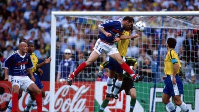 http://www.footpack.fr/wp-content/uploads/2014/07/France-Bresil-1998-Zidane-predator.jpg