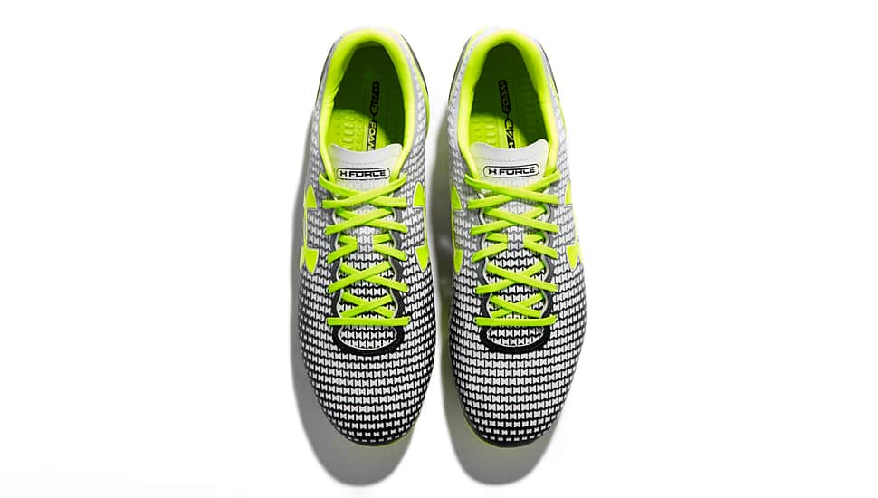 http://www.footpack.fr/wp-content/uploads/2014/08/under-armour-clutchfit-force-blanche-noir-jaune.jpg