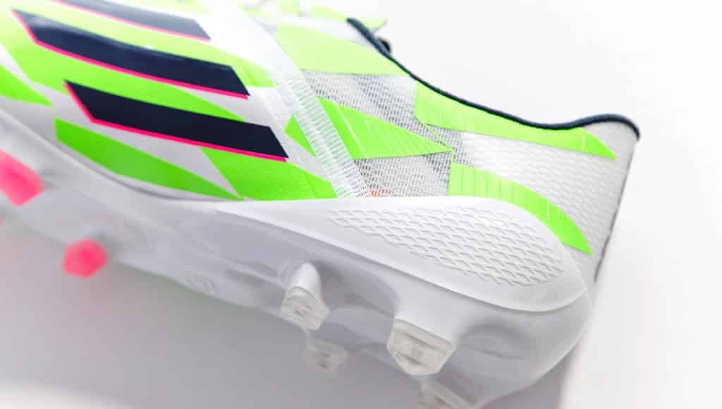 chaussure-adidas-f50-supernatural-blanc-vert-4