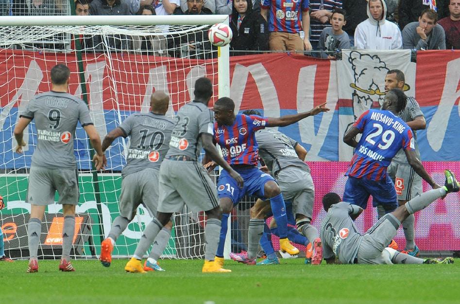 http://www.footpack.fr/wp-content/uploads/2014/10/chaussure-football-ligue1-9.jpg