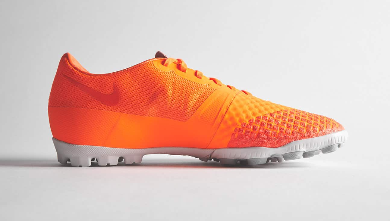 nike-bomba-finale-II-orange-2