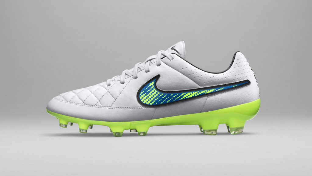 chaussure-football-nike-shine-through-pack-tiempo-legend