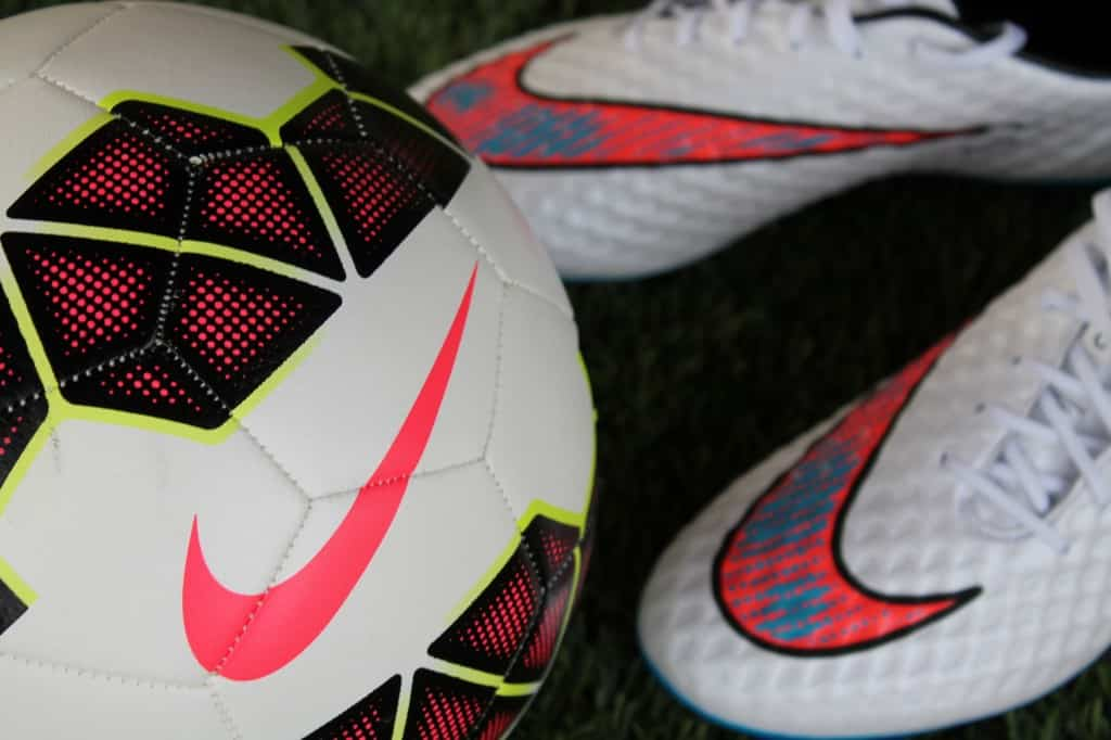 test-nike-hypervenom-phantom-shine-through-7