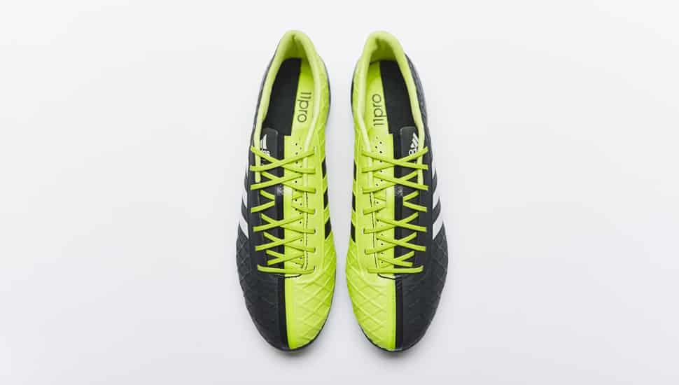 http://www.footpack.fr/wp-content/uploads/2015/01/adidas-11pro-sl-2015-noir-jaune.jpg
