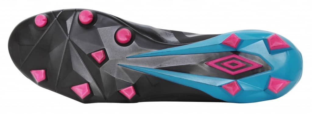 chaussure-umbro-velocita-pro-noir-rose-bleu-4