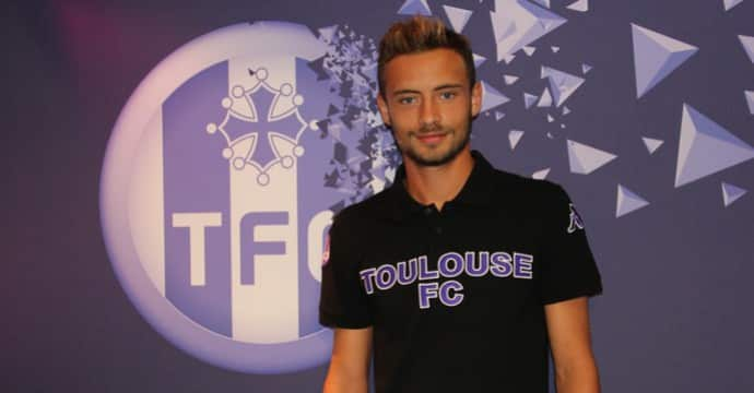 http://www.footpack.fr/wp-content/uploads/2015/01/interview-gregoire-amiot-chaussure-foot.jpg