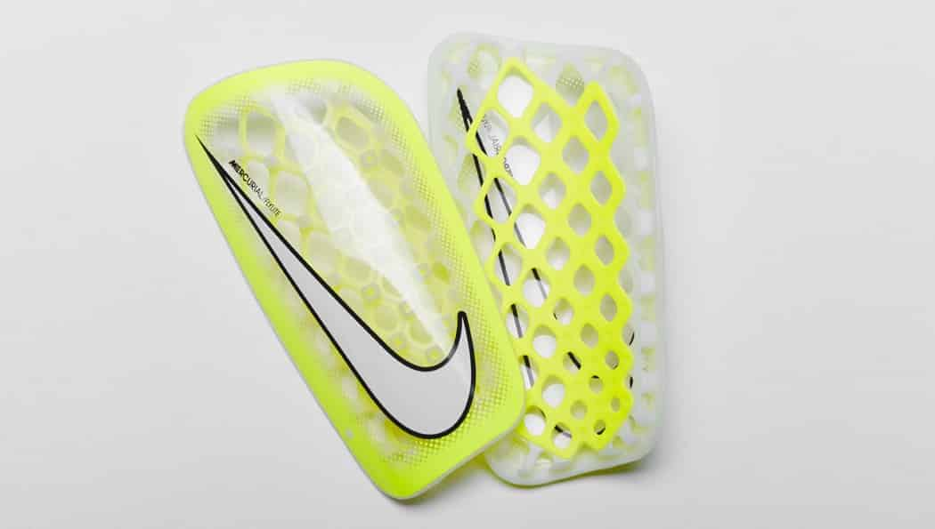 http://www.footpack.fr/wp-content/uploads/2015/01/nike-mercurial-flylite-transparent-jaune-1050x595.jpg