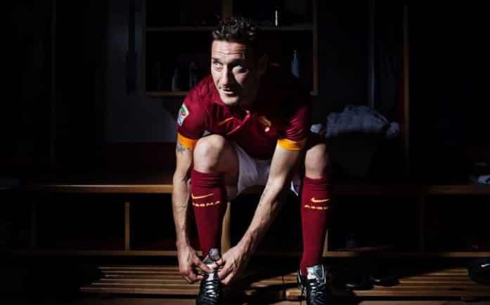 http://www.footpack.fr/wp-content/uploads/2015/02/Totti-tiempo-legend-e1452519372470.jpg