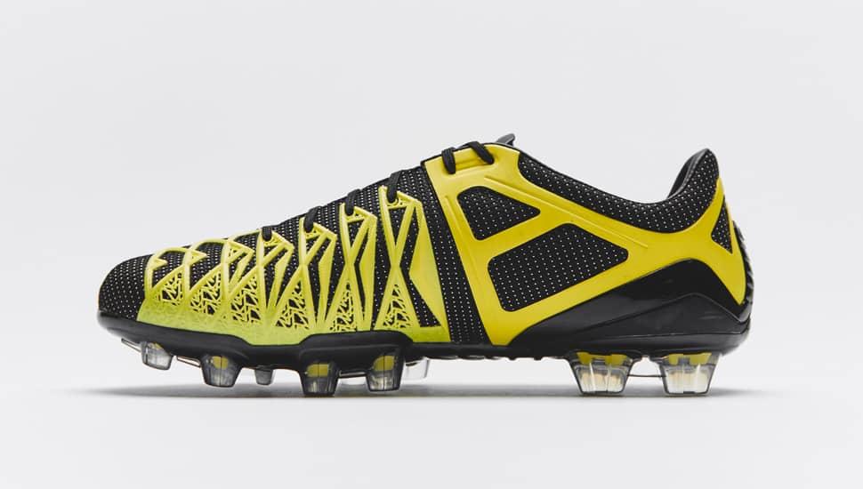 umbro-ux1-concept-noir-jaune-2