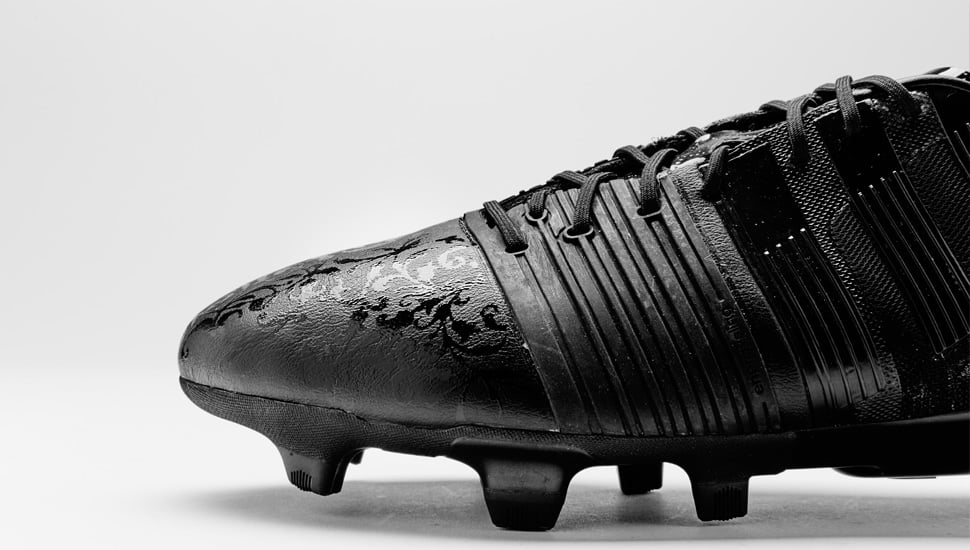 chaussure-football-adidas-black-pack-nitrocharge-2