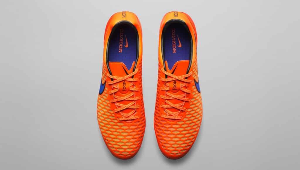 chaussure-football-nike-magista-opus-pack-heat-2