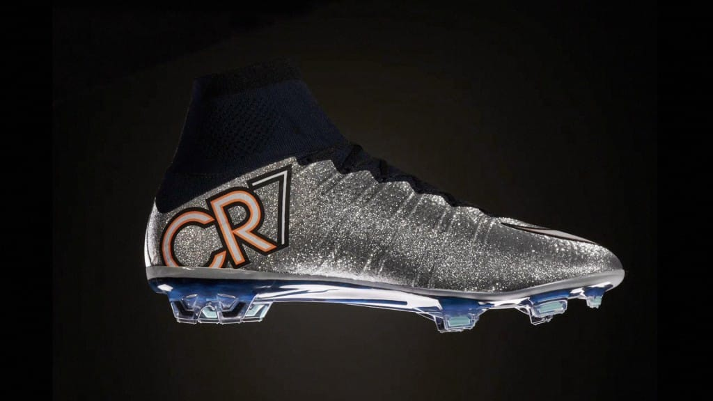 chaussure-nike-football-CR7-silverware