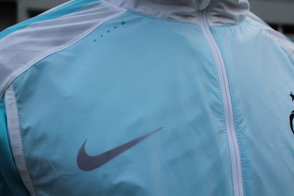 test-nike-revolution-jacket-elite-8