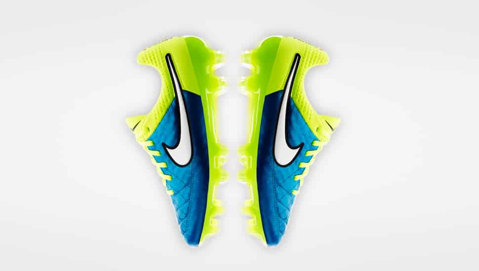 chaussure-football-nike-femme-coupe-du-monde-2015-3