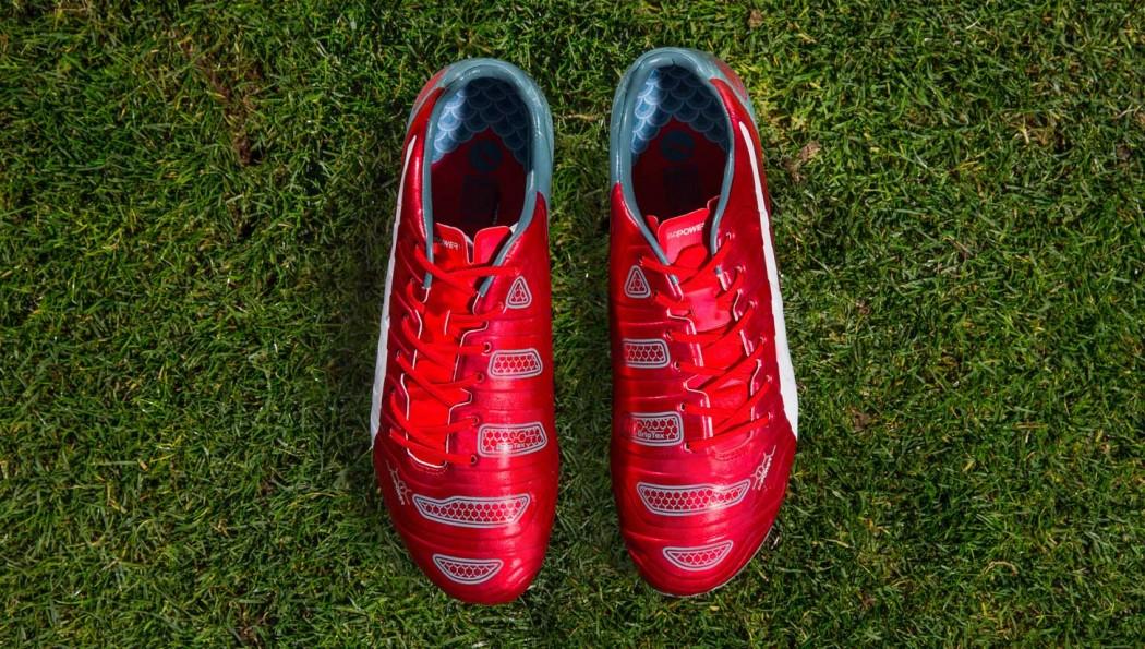 http://www.footpack.fr/wp-content/uploads/2015/04/chaussure-puma-evopower-dragon-rouge-inspiration-japon-5-1050x595.jpg