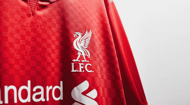 http://www.footpack.fr/wp-content/uploads/2015/04/maillot-domicile-liverpool-new-balance-2015-2016-lfc.png