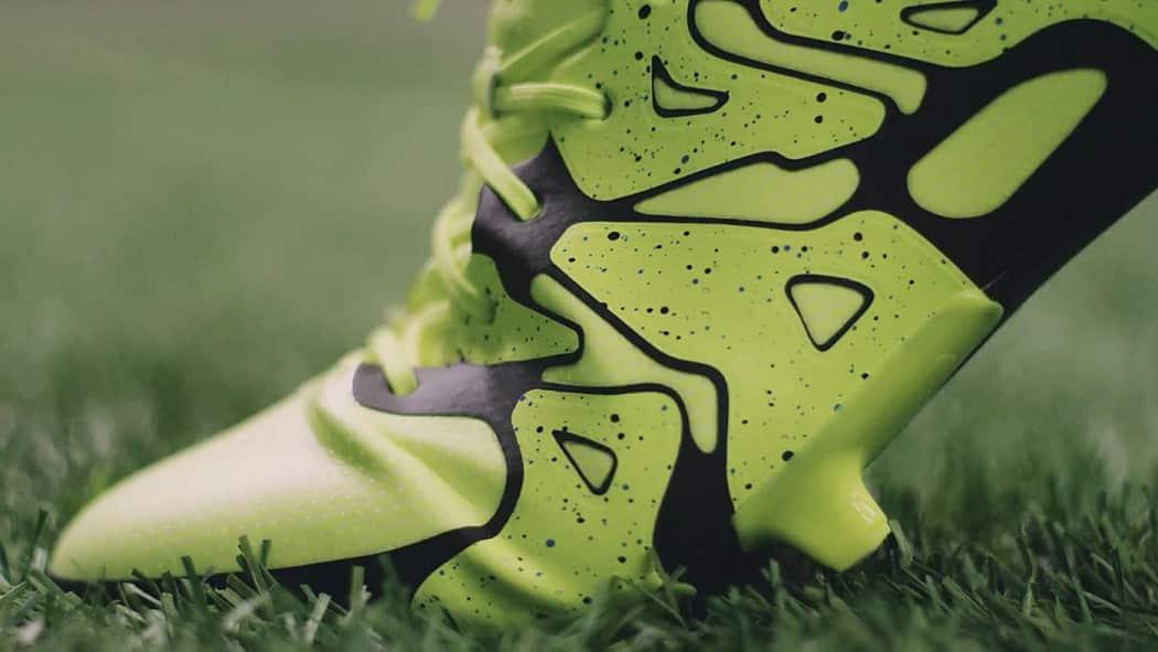 http://www.footpack.fr/wp-content/uploads/2015/05/chaussure-football-adidasX15.1-technologie-1050x591.jpg