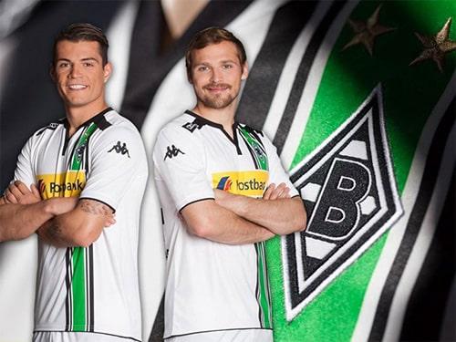 3ème du championnat allemand cette saison, le Borussia Monchengladbach et Kappa son équipementier viennent de dévoiler le maillot domicile 2015-2016 du club