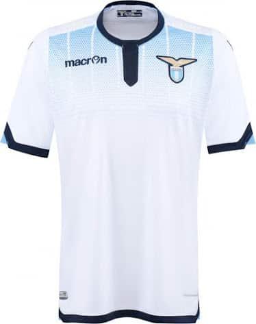 Avant sa finale de coupe d'Italie contre la Juventus Turin, la Lazio Rome et Macron ont dévoilés les nouveaux maillots 2015-2016 de la Lazio.