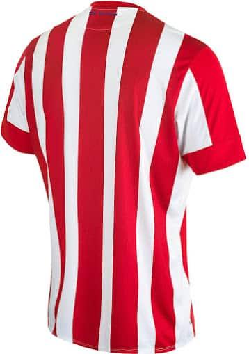Tout juste débarqué dans le monde du football, New Balance vient de dévoiler les nouveaux maillots domicile et extérieur de Stoke City pour 2015-2016