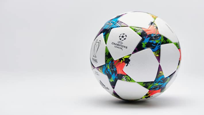 http://www.footpack.fr/wp-content/uploads/2015/06/ballon-adidas-finale-berlin.jpg