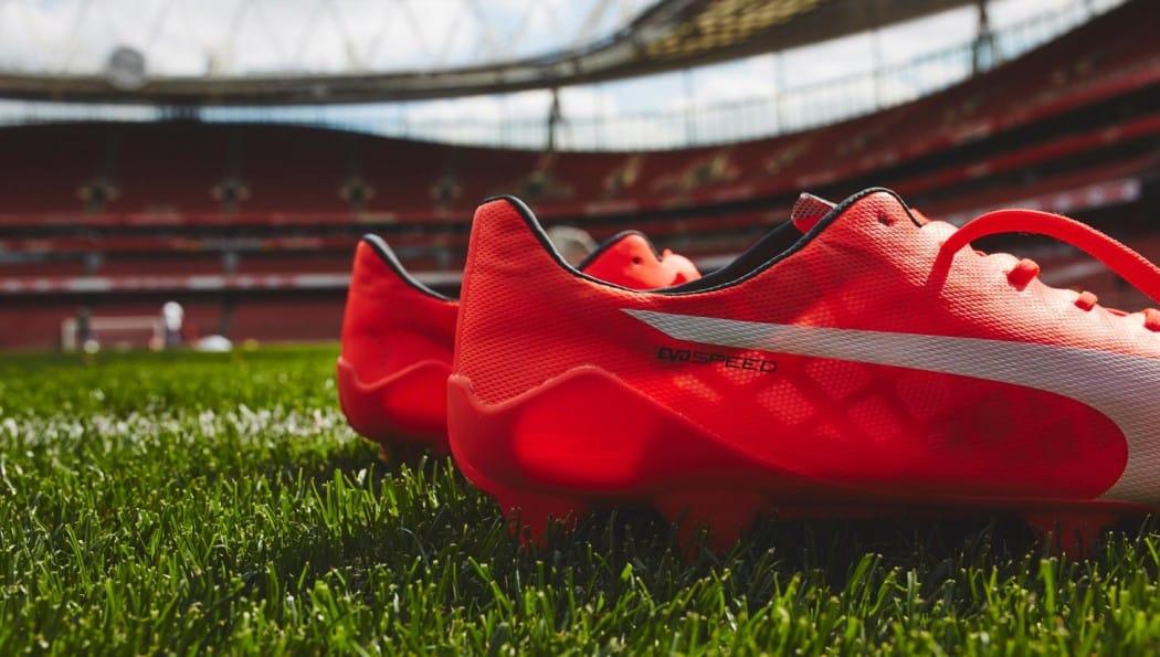 http://www.footpack.fr/wp-content/uploads/2015/06/chaussure-football-puma-evoSPEED-SL-103-grammes-2-1050x595.jpg