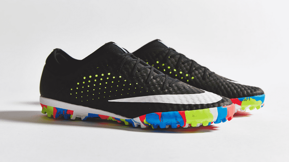 http://www.footpack.fr/wp-content/uploads/2015/07/Nike-Mercurial-X-Finale-Street-2.png