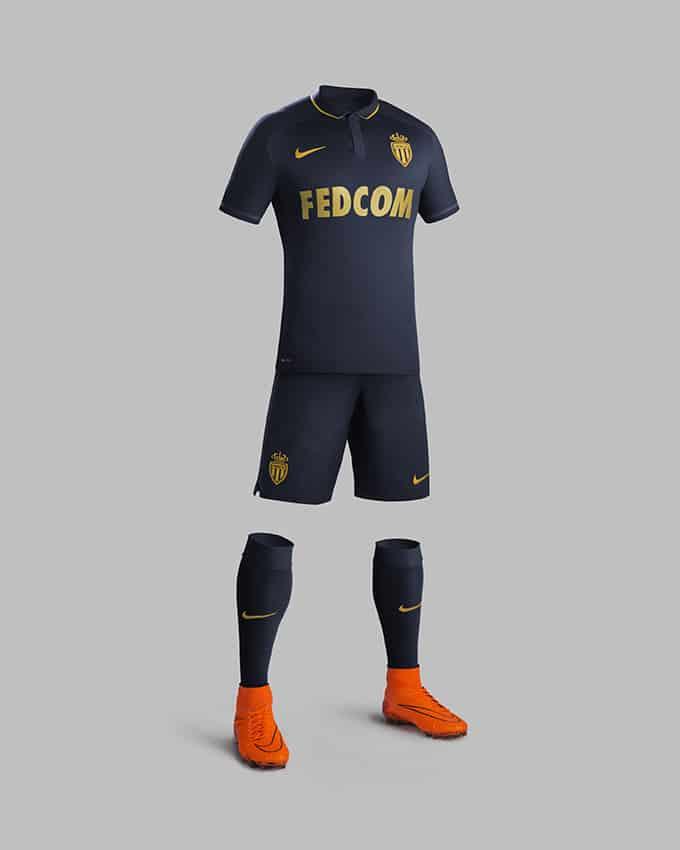 Après avoir dévoilé son maillot principal, l'AS Monaco et Nike viennent de présenter la nouvelle tenue extérieure pour la saison 2015-2016.