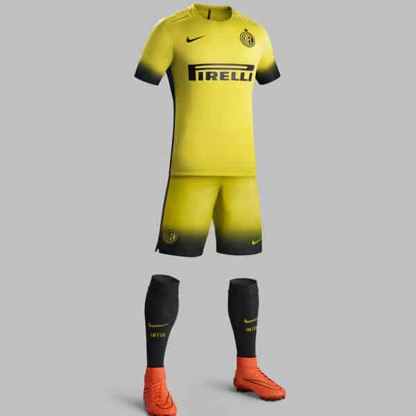 Après le PSG et le Barça, l'équipementier américain Nike vient de dévoiler les nouveaux maillots domicile, extérieur et third 2015-2016 de l'Inter Milan.