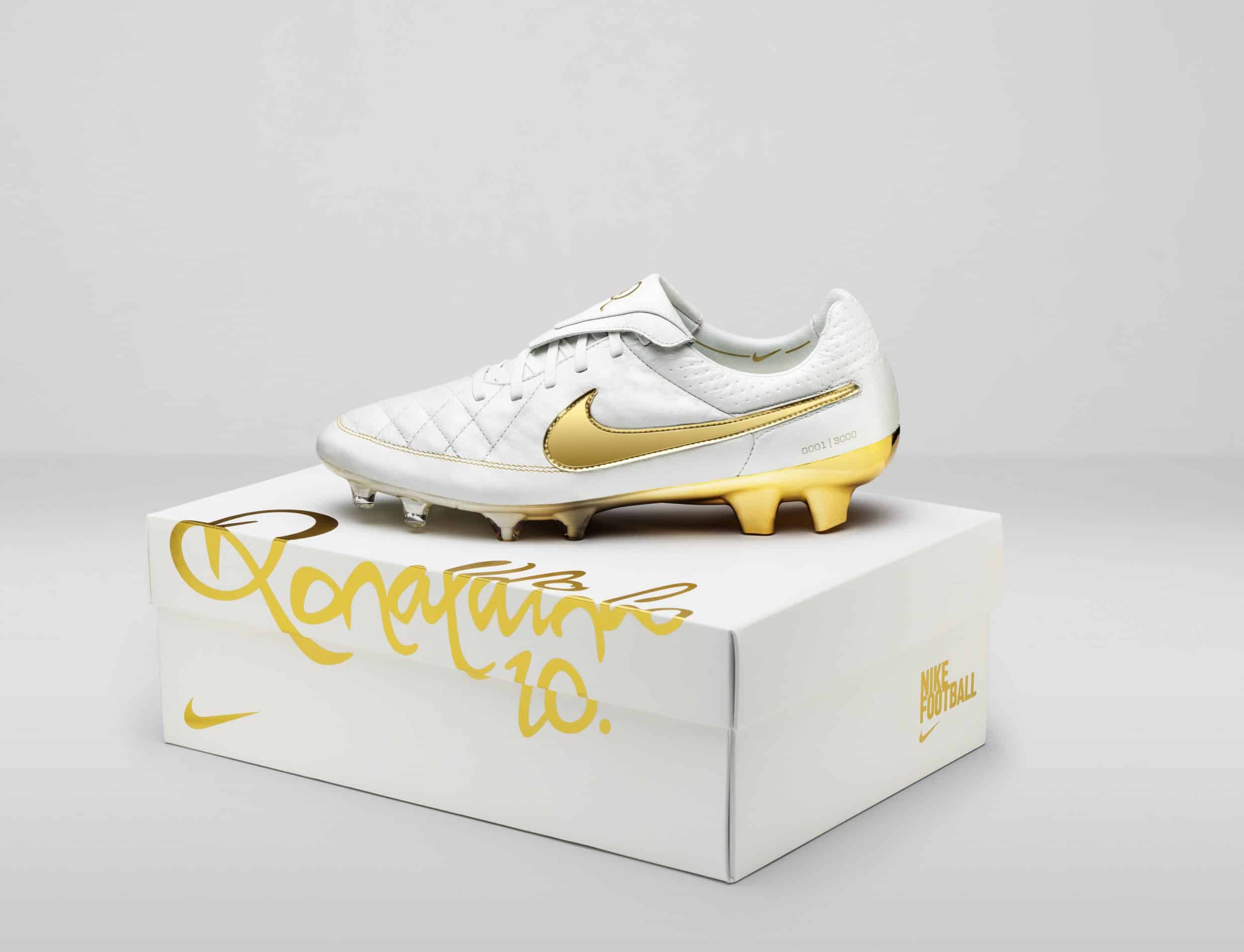R10_Tiempo_Touch-of-Gold_2015