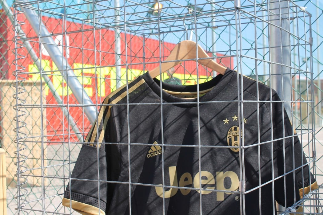 http://www.footpack.fr/wp-content/uploads/2015/08/bethedifference-maillots-juventus-turin-1050x700.jpg