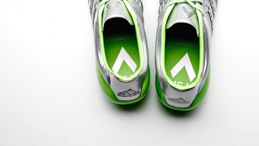 http://www.footpack.fr/wp-content/uploads/2015/08/chaussure-football-adidas-ACE15-pack-eskolaite-4-1050x595.jpg