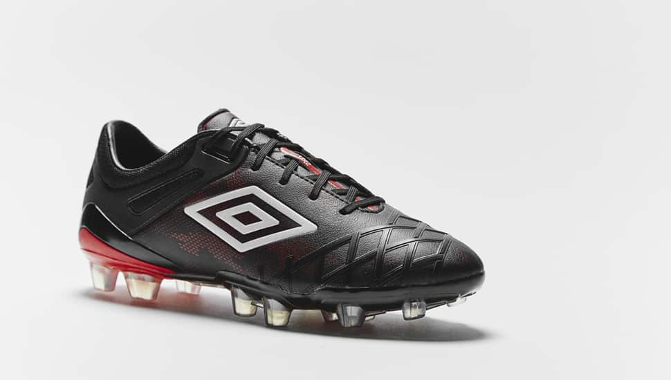 http://www.footpack.fr/wp-content/uploads/2015/08/chaussure-football-umbro-ux-2-rouge-noir-5.jpg