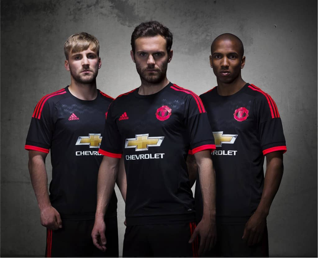 les maillots 2015 2016 de manchester united par adidas. Black Bedroom Furniture Sets. Home Design Ideas