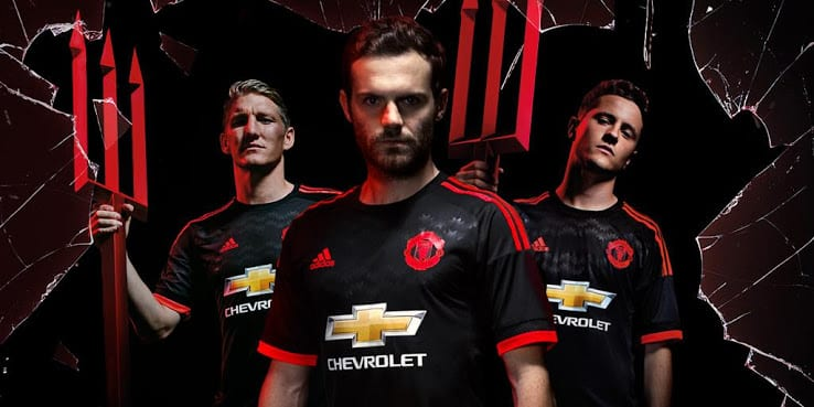 http://www.footpack.fr/wp-content/uploads/2015/08/maillot-manchester-united-third-2015-2016-adidas.jpg