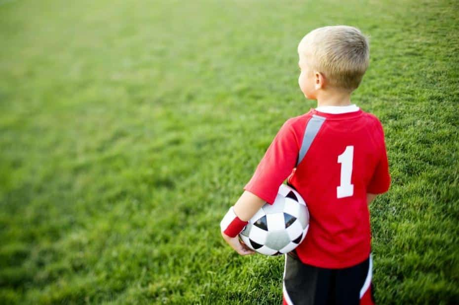 http://www.footpack.fr/wp-content/uploads/2015/09/chaussure-football-enfants.jpg