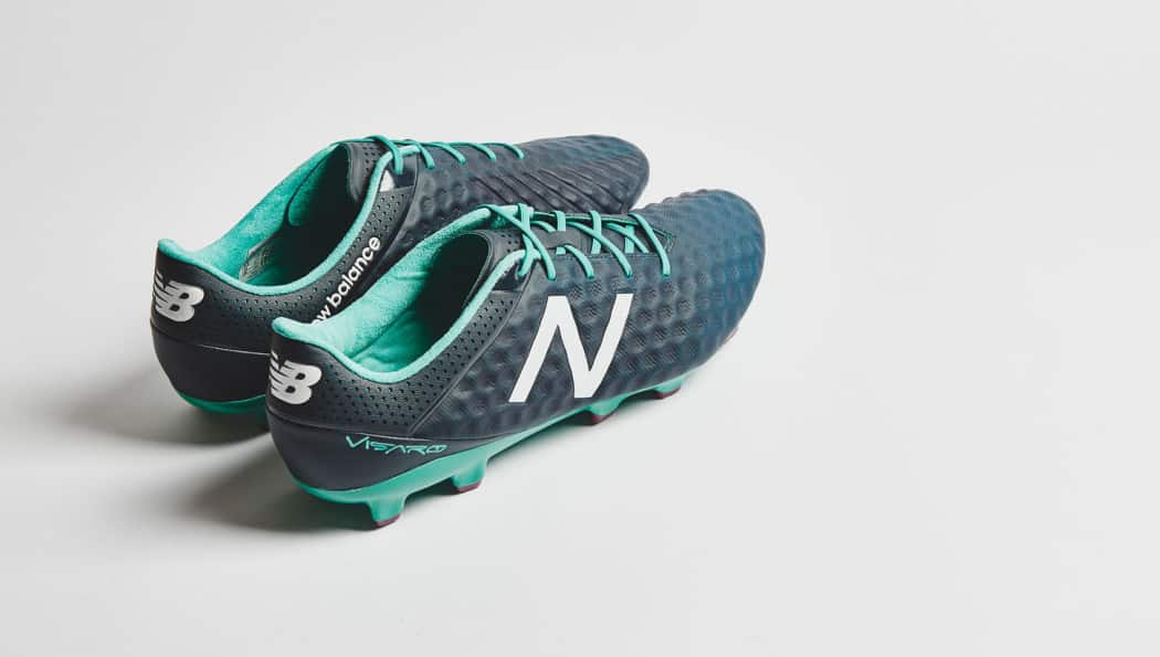 http://www.footpack.fr/wp-content/uploads/2015/09/chaussure-football-new-balance-visaro-bleu-navy-2015-1050x595.jpg