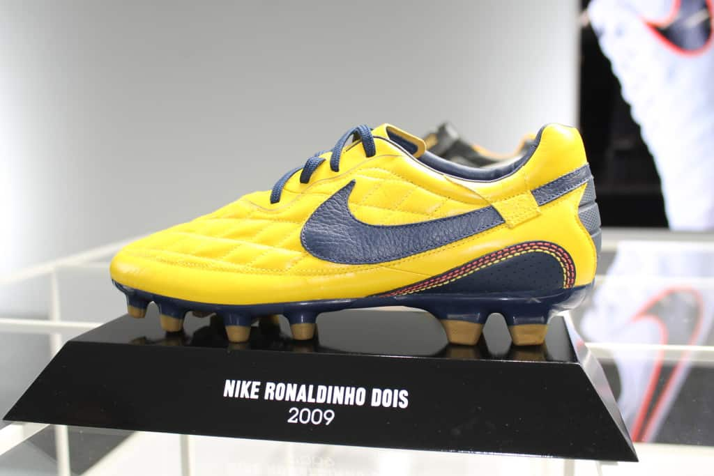chaussure-football-nike-tiempo-ronaldinho-dois