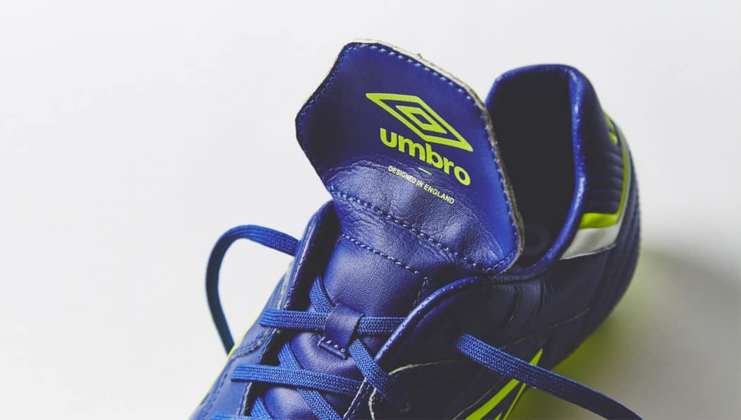 http://www.footpack.fr/wp-content/uploads/2015/09/chaussure-football-umbor-speciali-eternal-bleu-4-1050x595.jpg