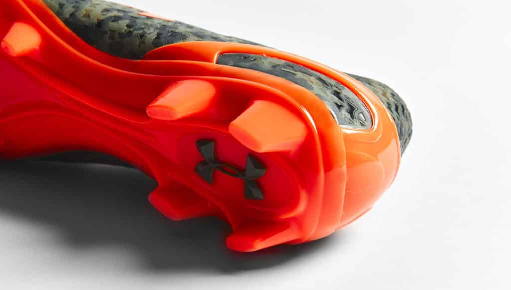 chaussure-football-under-armour-clutchfit-camouflage-orange-4