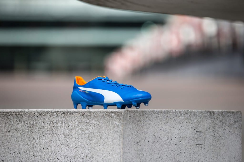 chaussure-football-puma-evospeed-sl-bleu-electrique-min