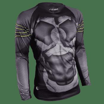 Spécialisé dans les gants et l'équipement pour les gardiens de but, Rinat Sport est également connue pour ses tenues de gardiens pas comme les autres.