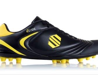 La première chaussure de football spéciale «pointus» !