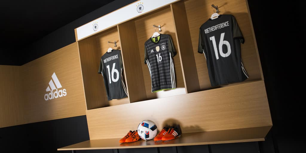 Locker_Room_Germany_2x1_01