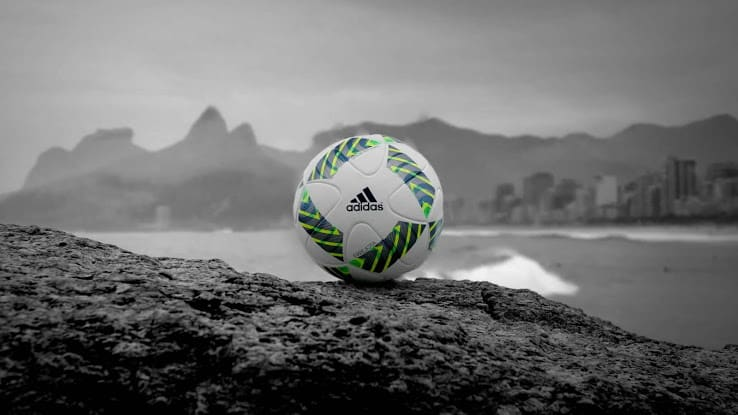 http://www.footpack.fr/wp-content/uploads/2015/11/ballon-adidas-errejota.jpg