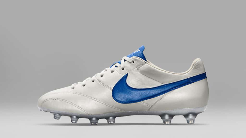 chaussure-football-Nike-Tiempo-Legends-Premier-Pack-blanc-metallique-bleu
