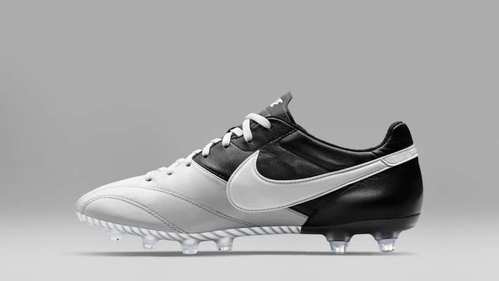 chaussure-football-Nike-Tiempo-Legends-Premier-Pack-noir-blanc