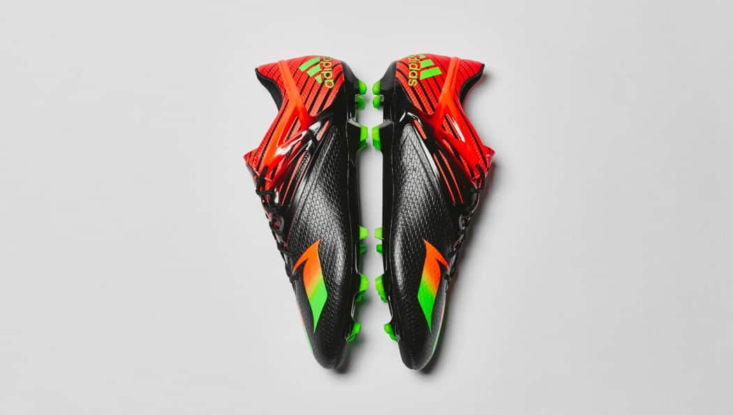 http://www.footpack.fr/wp-content/uploads/2015/11/chaussure-football-adidas-messi15-noir-vert-rouge-4-1050x595.jpg