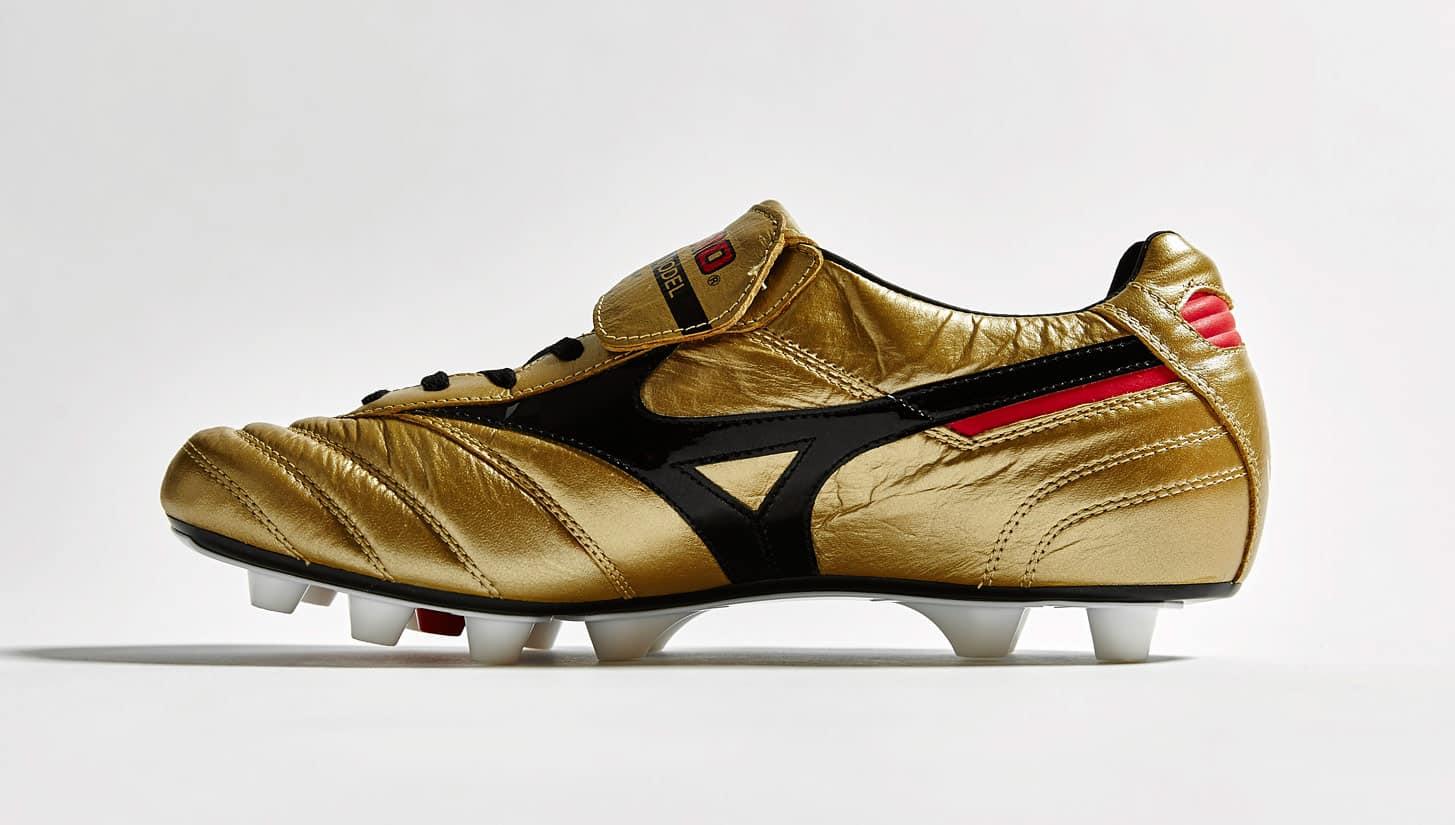 chaussure-football-mizuno-morelia-or-noir-30-ans-2